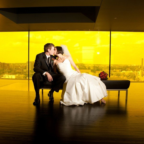 minneapolis wedidng photographer guthrie theater yellow room