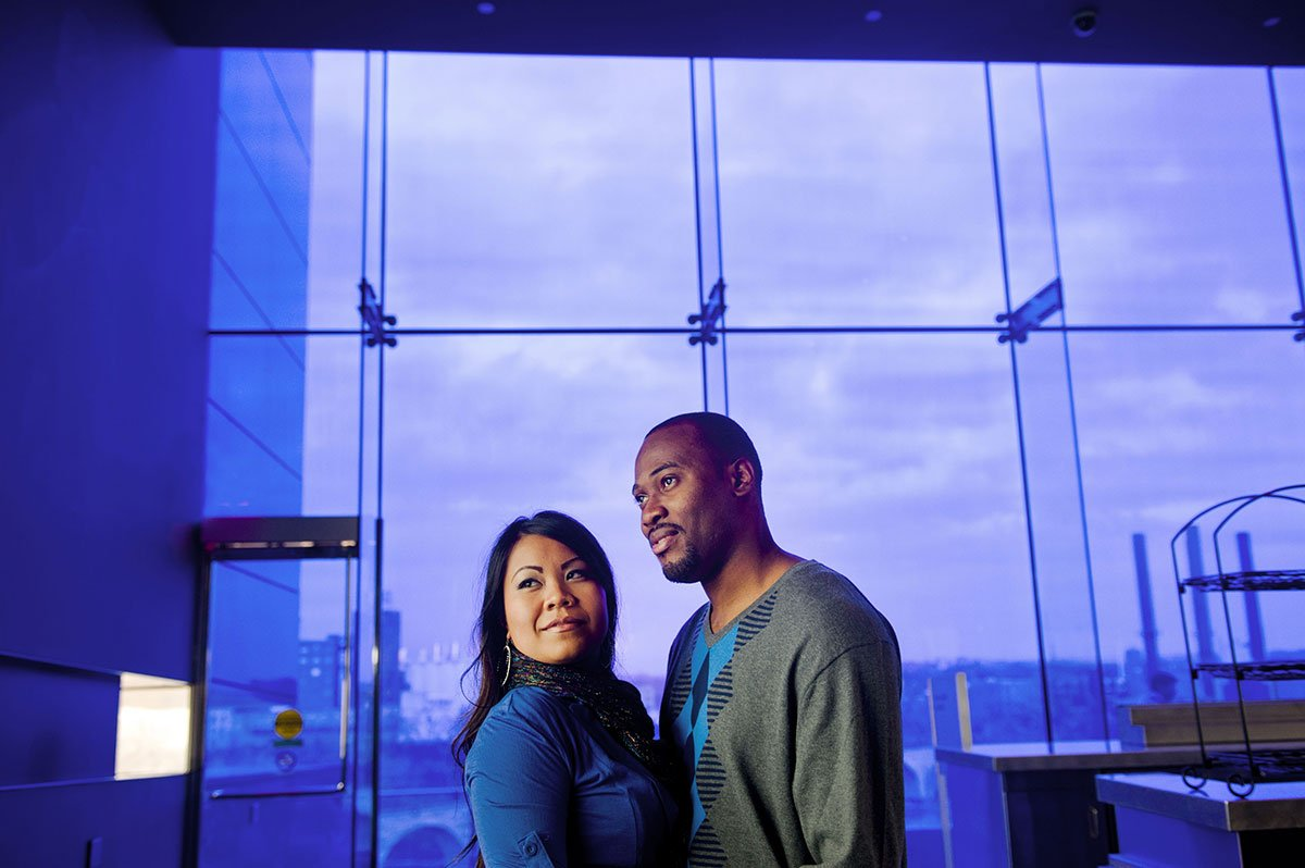 Guthrie-theater-portraits-with-mixed-couple-001