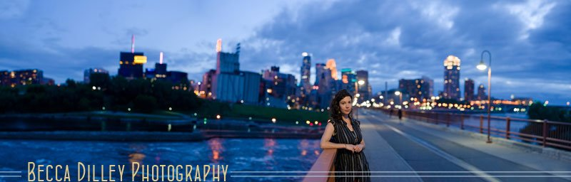 minneapolis portraits at night with skyline