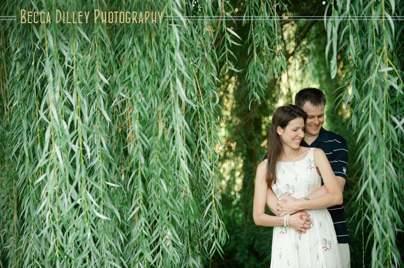 minneapolis couple portraits at lake of the isles with weeping willow tree
