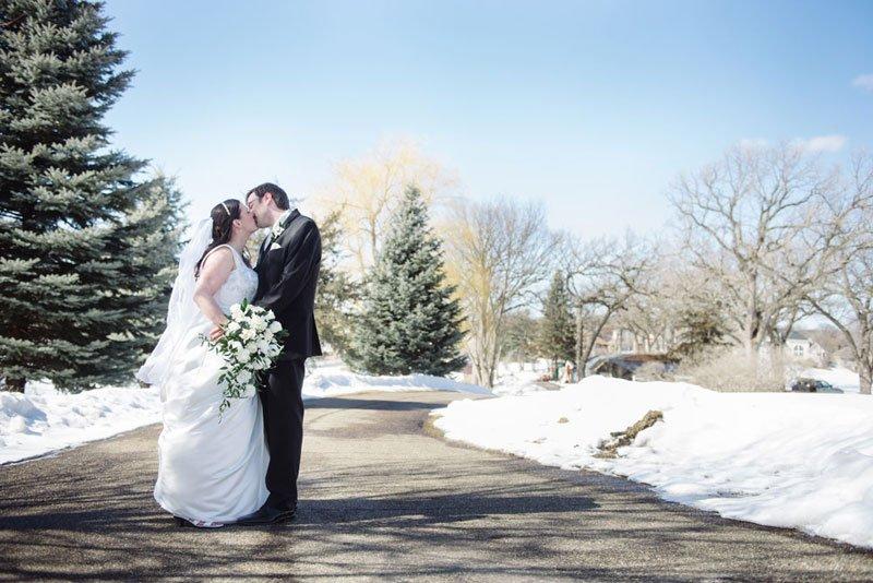 outdoor winter photos for eden prairie mn wedding bent river golf club