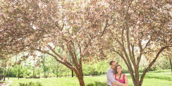 Pretty in Pink at the Stone Arch Bridge {Lindsay + Philip}