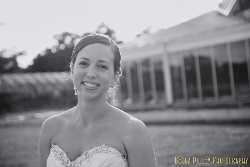 bride in summer light outside of como park st paul mn