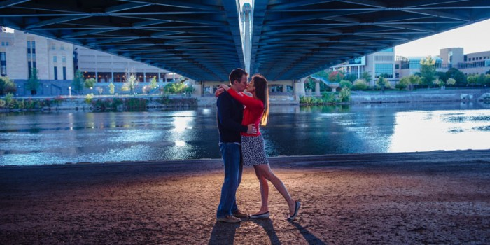 minneapolis fall portraits under bridge