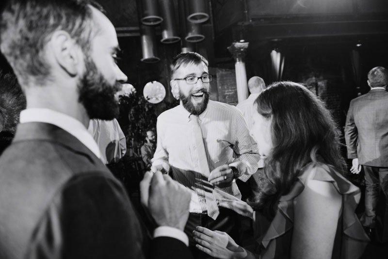minneapolis-wedding-photographer-vintage-theater-varsity-056