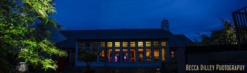 rainy wedding at minnesota arboretum at night