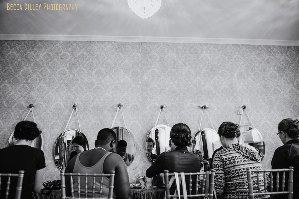 bridesmaids getting ready at Semple mansion wedding minneapolis mn