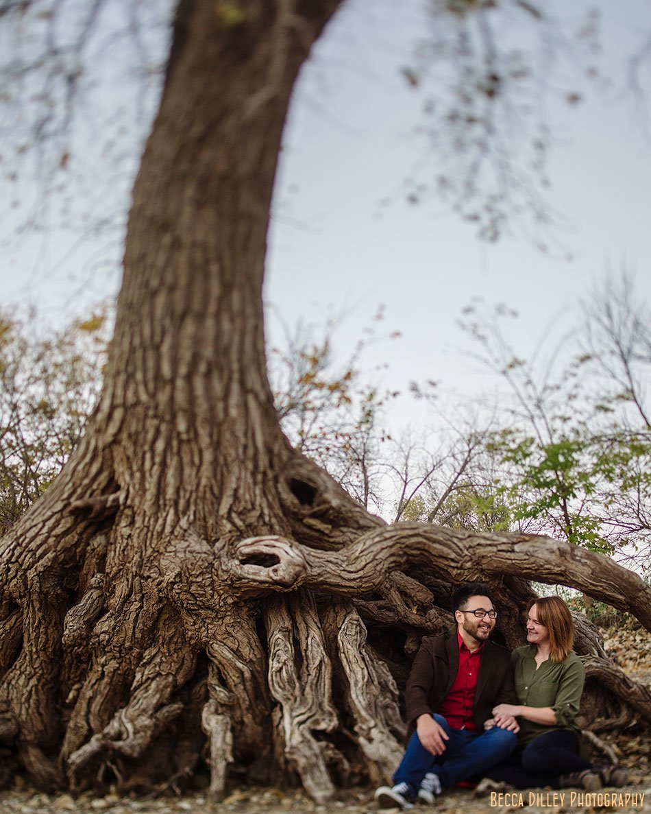 minneapoils-engagement-photos-casual-with-tree-roots