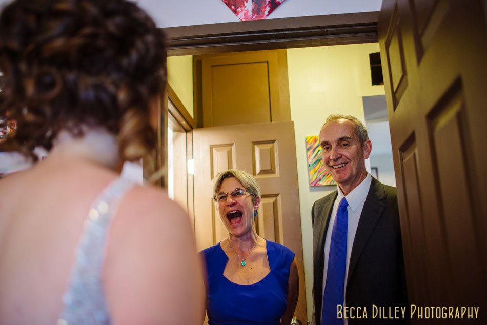 brides parents see her for first time