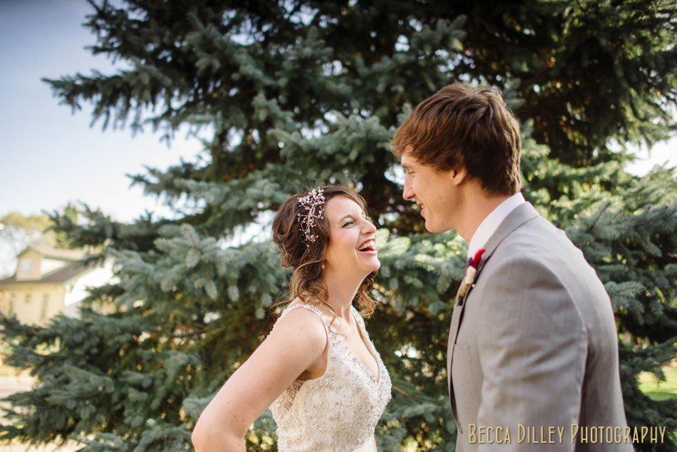 Minneapolis-wedding-photographer-varsity-theater-loring-pasta-bar-016