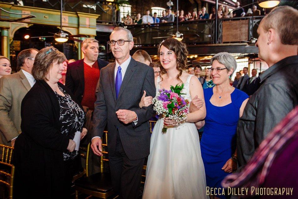 Minneapolis-wedding-photographer-varsity-theater-loring-pasta-bar-038