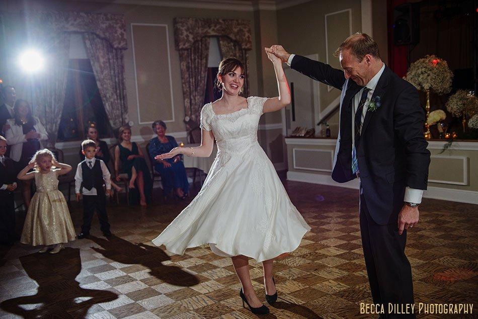 minneapolis-gale-mansion-wedding-golden-095