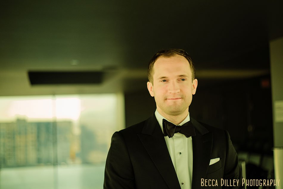 Guthrie-theater-minneapolis-wedding-photographer-011
