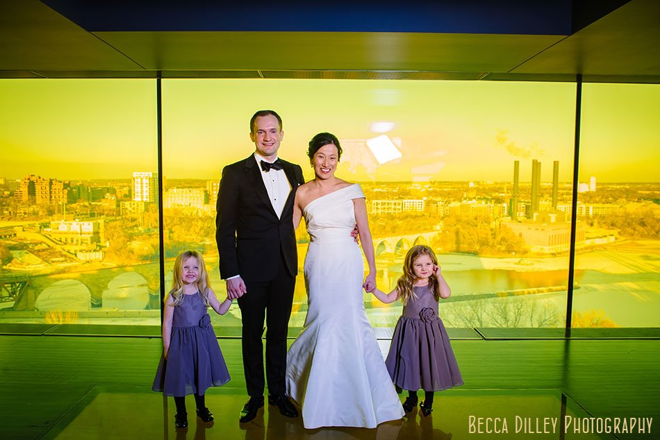 Guthrie-theater-minneapolis-wedding-photographer-043
