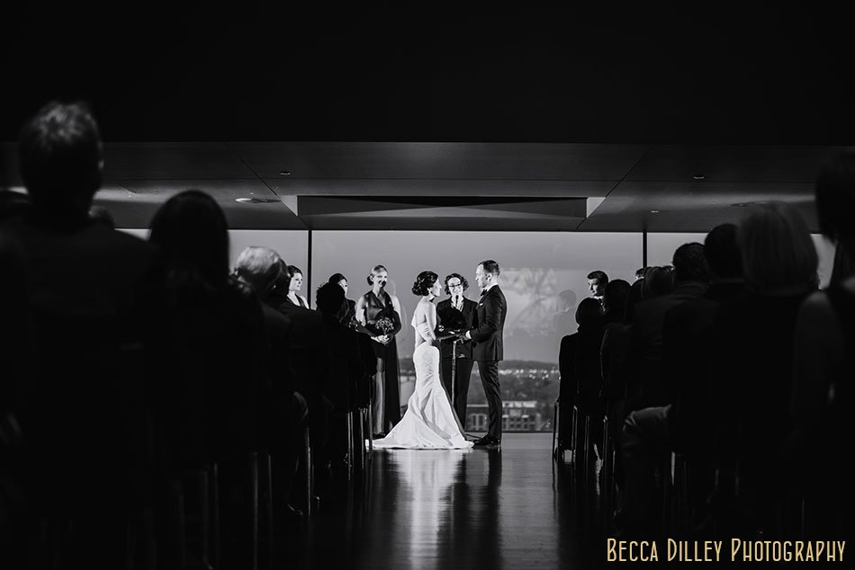 Guthrie-theater-minneapolis-wedding-photographer-060