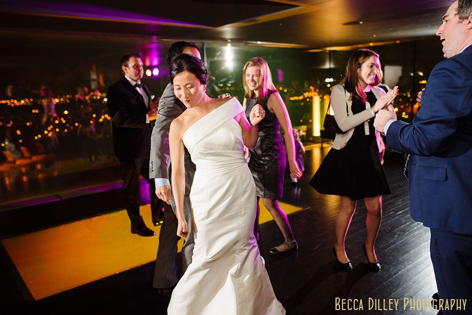 Guthrie-theater-minneapolis-wedding-photographer-118