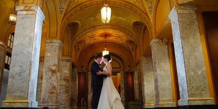 midwest wedding photographer marble arches at madison memorial union