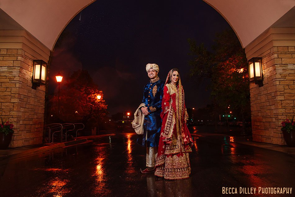 minneapolis indian wedding bride and groom with rainy day photographer