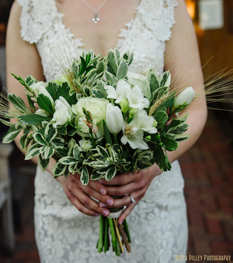 bouquet with wheat wa frost wedding st paul mn photographer
