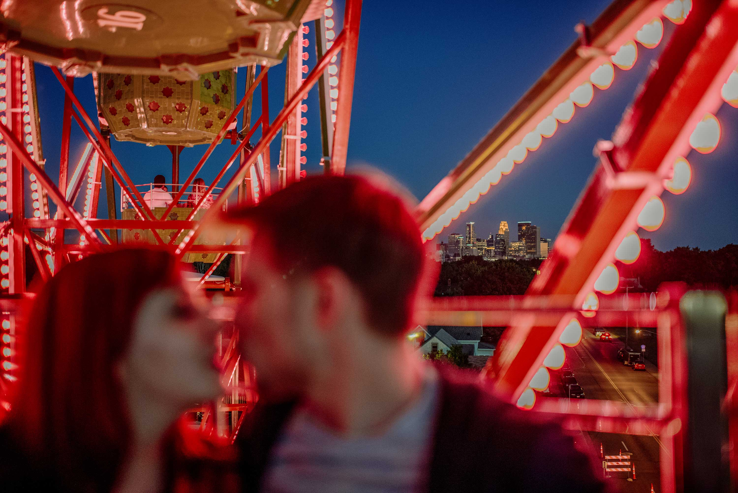 best-minneapolis-wedding-photographer-engagement with ferris wheel