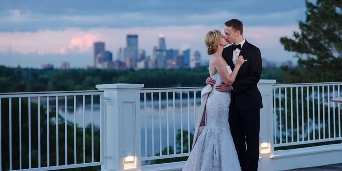 Minikahda Club wedding minneapolis couple at night with skyline