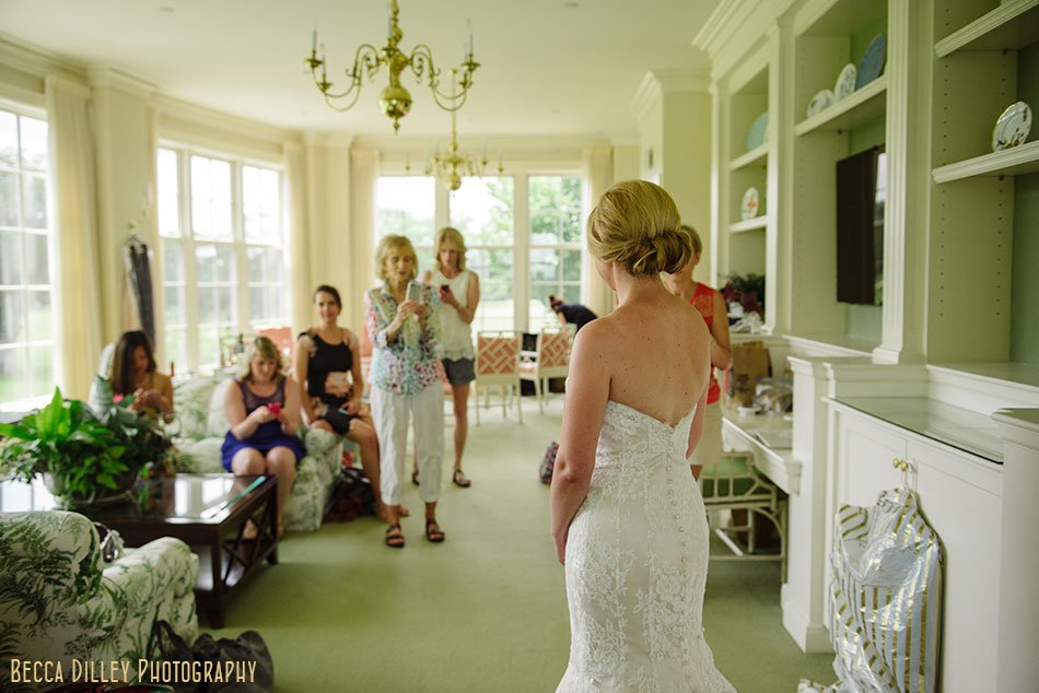 Minikahda Club wedding minneapolis bride gets ready
