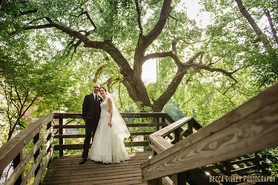 nicollet-island-pavilion-wedding-minneapolis-025
