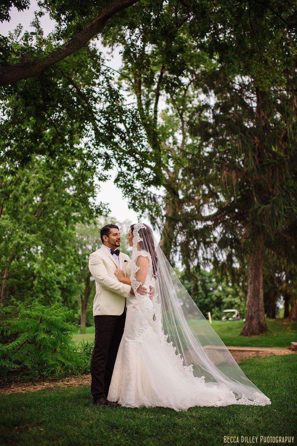 bride and groom lawn wayzata country club wedding mn