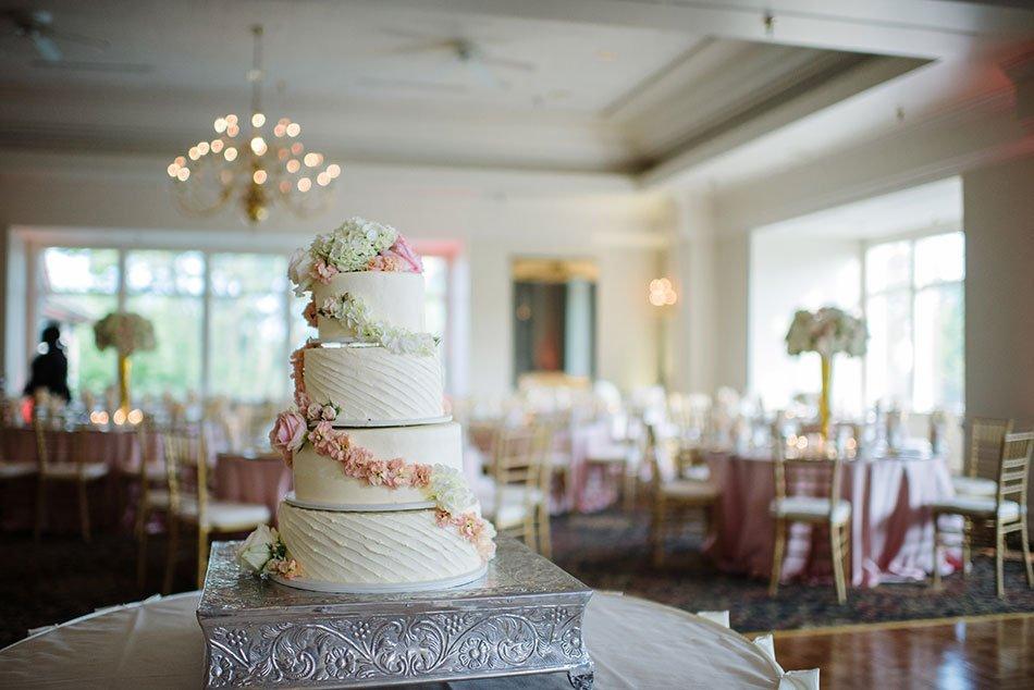 cake wayzata country club wedding mn