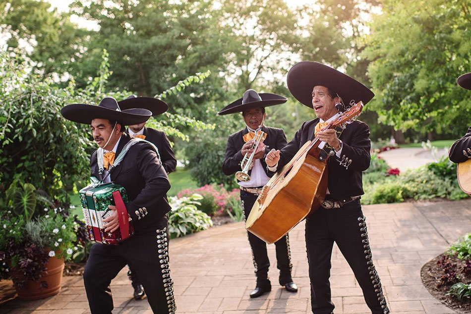 mariachi band wayzata country club wedding mn