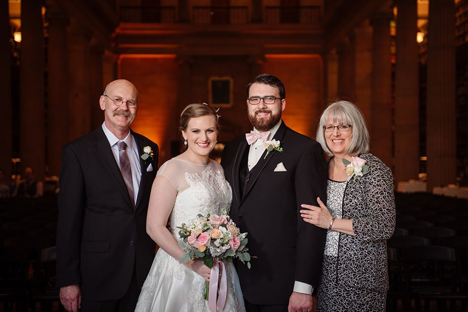How to plan for great family photos at your wedding minneapolis wedding photographer family portraits examples