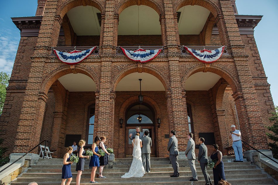 Stillwater-historic-courthouse-wedding-mn015