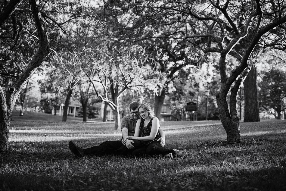 Engagement Photos in St Paul Parks