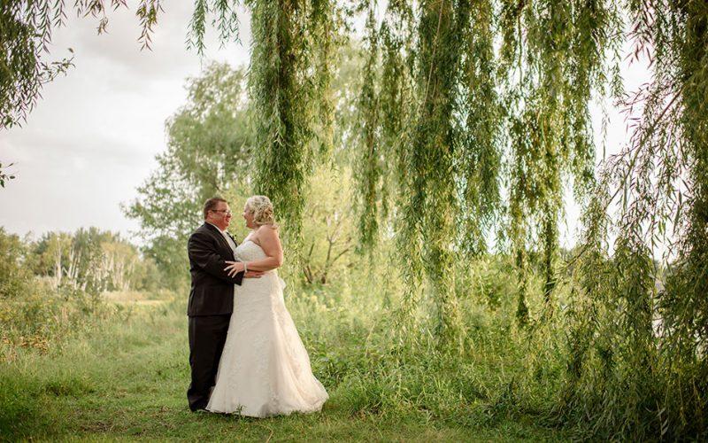 minnesota wedding photographer willow tree