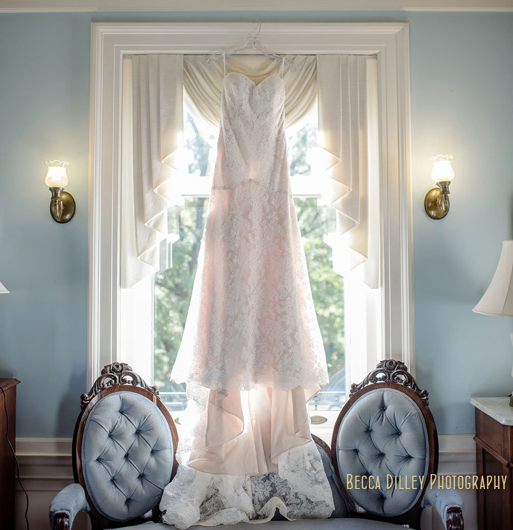 wedding dress Minneapolis Gale Mansion Wedding