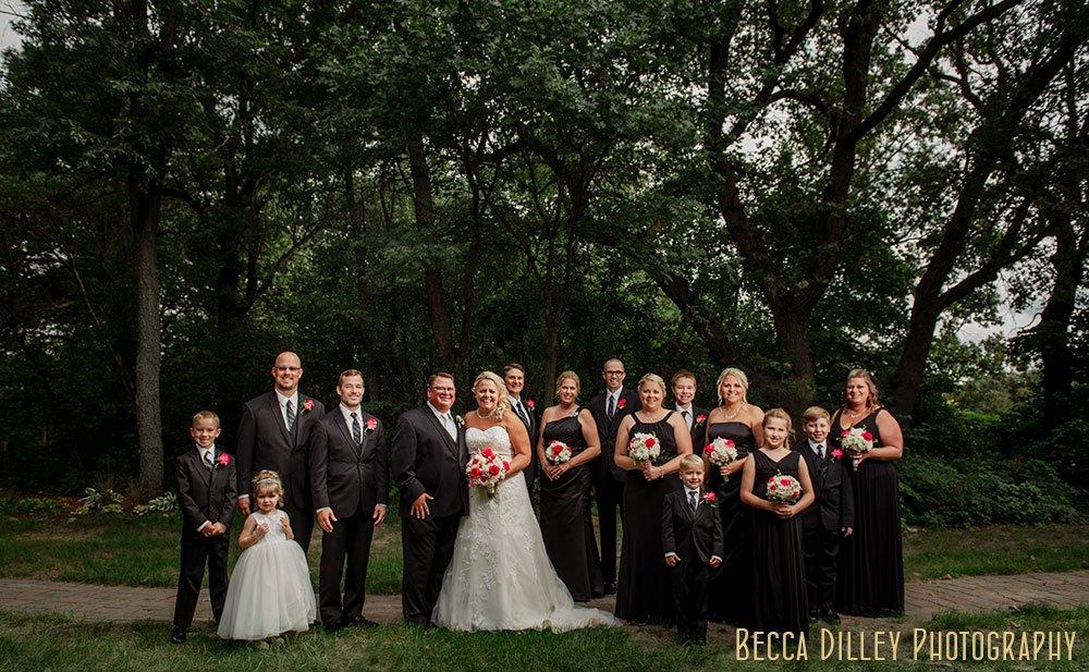 large weddign party Majestic Oaks Golf Club Wedding MN