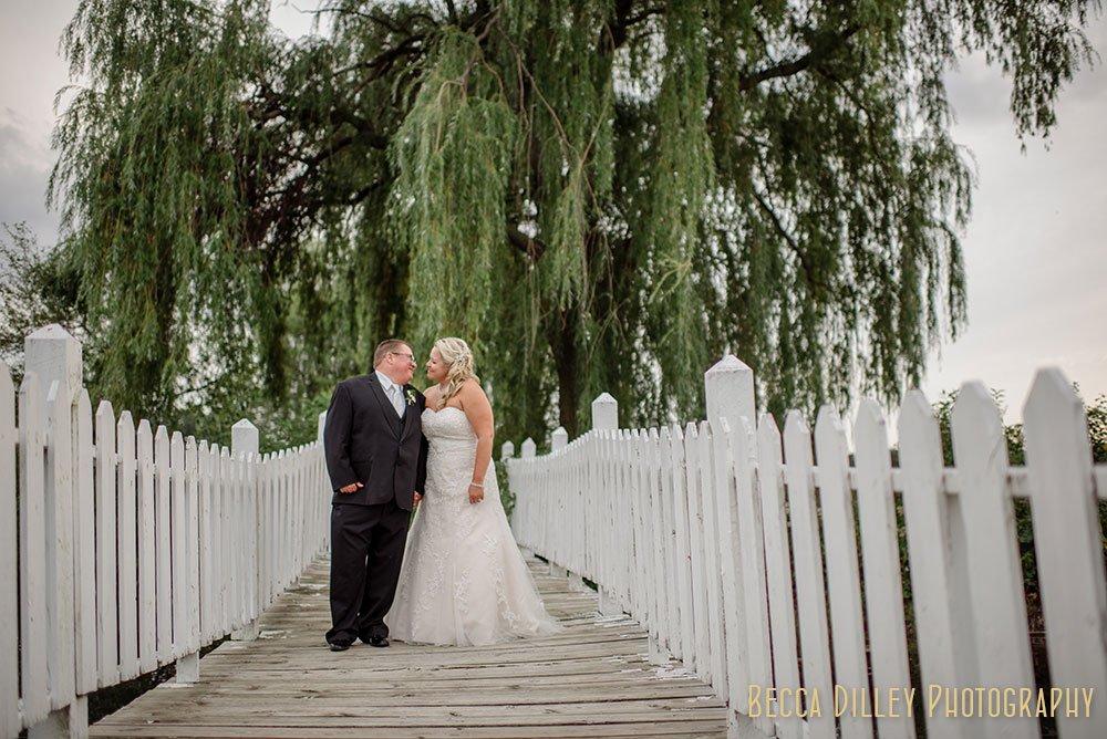 bridge with white fence Majestic Oaks Golf Club Wedding MN