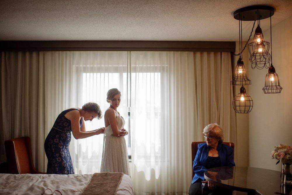 2017 favorite photos best Minneapolis photographer getting ready
