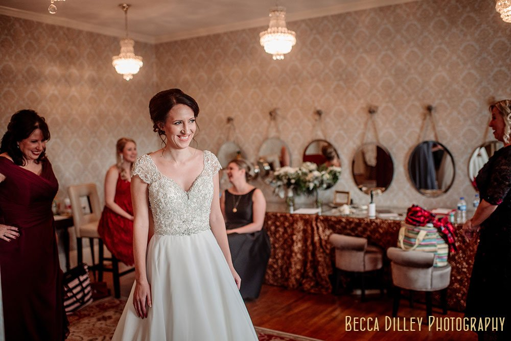 Semple Mansion Wedding Minneapolis bride getting ready