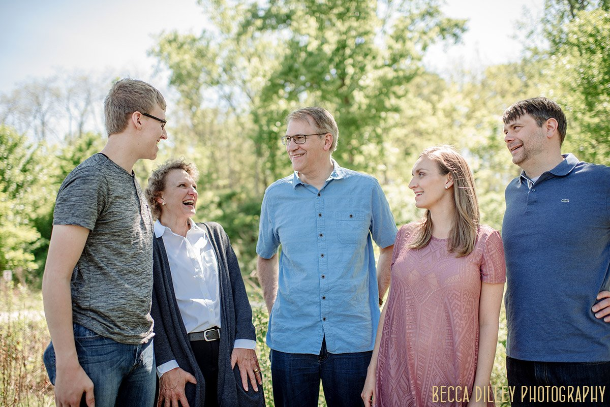 Minneapolis family photographer and SHORT portrait sessions